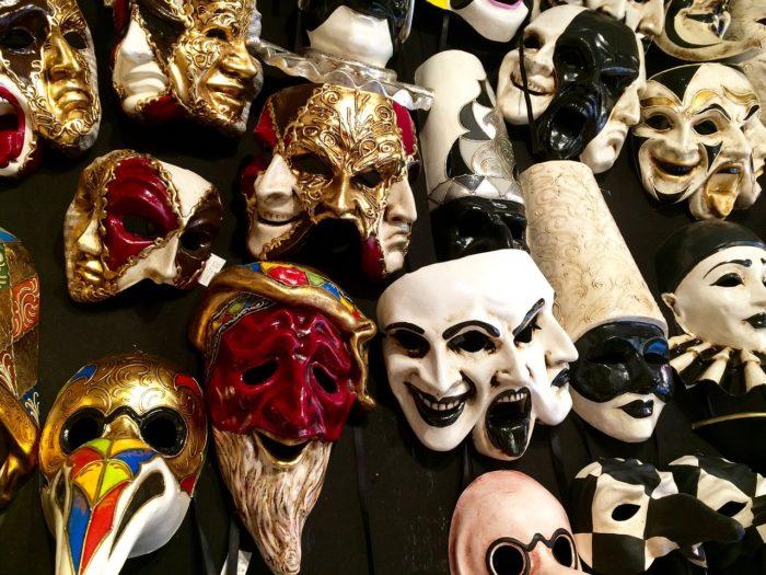 masks-2415706_1280