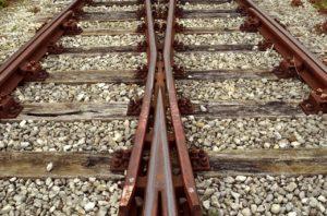 track-2906667_1280